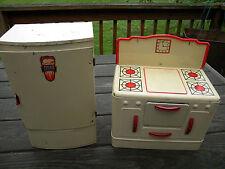 Vintage Wolverine Tin Toy Refridgerator and Stove