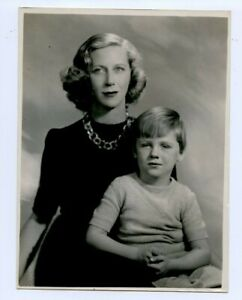 9 x 7 Original Marcus Adams Photo Mme. Charlesworth & Elle Son Joseph