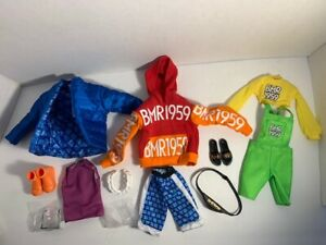 BARBIE BMR1959 LOT OF CLOTHES