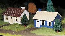 BACHMANN PLASTICVILLE CAPE COD HOUSES (2/box) O GAUGE BUILDING KIT