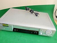 SONY SLV-SE810 Video Cassette Recorder VHS VCR SMART ENGINE Quality Silver