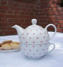 Zauberhaft: Tea for One mit kleinen rosa Herzchen, 2- teiliges Set aus Porzellan