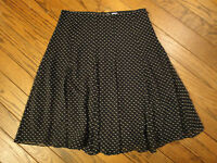 Liz Claiborne Black and Ivory Polkadot Skirt         Size 8