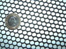BLACK 1m x700mm SEMI-RIGID HDPE 7mm PLASTIC MESH SCREEN FISH GUTTER GUARD FILTER