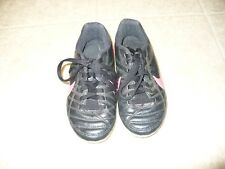 Nike Size 10 black and pink girls soccer cleats