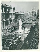 1938 Two Minutes of Silence in London for Armistice Original News Service Photo