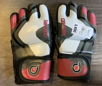 Century Drive Women's MMA Training Glove Size Medium