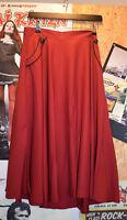 Banned Petticoat Swing Rock rot mit schwarzen Knöpfen und Piping 50s Rockabilly
