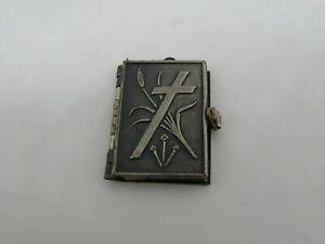 petit livre religieux pendentif début XXème Jésus-Christ religious book pendant