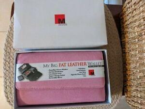 New Mundi Women's My Big Fat Wallet, Pink NIB (never used)