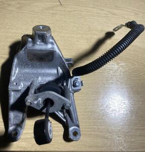 AUDI A4 A5 A6 A7 Q5 18-21 C8 2.0 TDI DRIVERS RIGHT SIDE ENGINE MOUNT BRACKET