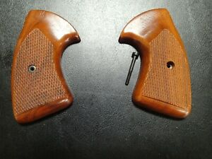 "Factory Colt D Frame Viper Detective Special Checkered Grips ""Super Rare"""