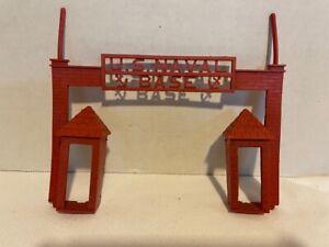 VINTAGE T COHN SUPERIOR TOYS U.S. NAVAL BASE PLAYSET FRONT GATE PIECE