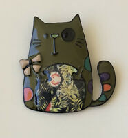 Adorable  artistic  Cat Pin Brooch in enamel on Metal
