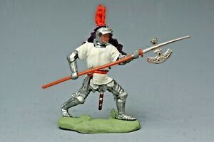 """Britains """"Swoppet"""" C15th Knight With Pike, White Tunic, PURPLE Favour...!!"""