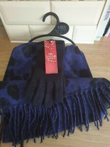 MARKS AND SPENCER LADIES SCARF AND GLOVE SET