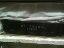Accurail Ho #7541 Southern 70-Ton Offset Triple Hopper