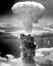 MUSHROOM CLOUD OVER NAGASAKI 8X10 PHOTO WWII 1945