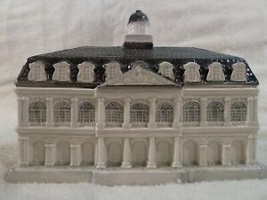 "Ceramic ""Cabildo"" bank reproduces famed New Orleans landmark building"
