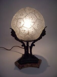 ANTIQUE LE VERRIER STYLE DECO BRONZE/GOLD TONE METAL MARBLE BASE / FROSTED SHADE