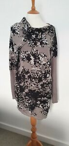 LABEL LAB - ABSTRACT PRINT KNITTED TUNIC WITH ASYMMETRIC HEMLINE - SIZE: MEDIUM