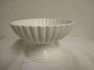 "Vintage HAEGER POTTERY 7 3/4"" x 4 1/2"" Pedestal Scalloped Bowl"
