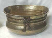 """Vtg Hammered Brass Oval  Planter w/ Brass Bow Tassels & Rope Approx11.5"""" x 9.75"""""""