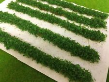 Serious-Play - Long Mid Green Leafy Hedge Strips - Static Grass Tufts