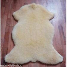 Schaffell Lammfell Bettfell, medizinisch gegerbt - waschbar, Größe: 110-120cm