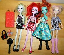 Lot Monster High Dolls Operetta Lorna McNessie Viperine Lagoona Dressed Shoes
