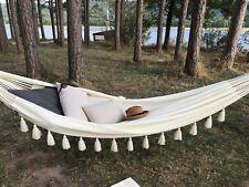 SANTORINI, le hamac design à gros pompons