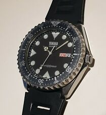 Rare YAMAHA Diver quartz watch. With rotating bezel. Good for watch collectors.