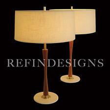 GERALD THURSTON LIGHTOLIER MODERN BOWTIE WALNUT DOWEL BRASS TABLE LAMP 1955