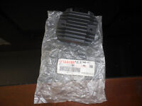 NOS Yamaha OEM Voltage Regulator R6 FZR600 FZR YZF 600 YZFR1 R1 4JH-81960-01