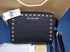 1467d1c784558 Michael Kors Selma messenger medium studed tasche- Schwarz   Original ...