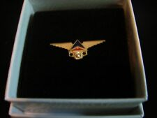 DELTA - SERVICE AWARD PIN 30 YEARS - DIAMOND WITH 2 EMERALD STONES - 10K