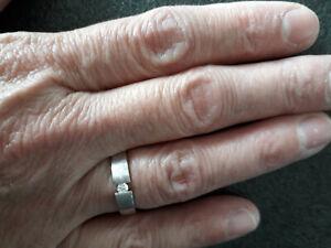 585er Weißgold Ring mit einem Diamant, Solitär-Ring oder Beisteck-Rin, 4 Gramm