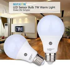 2Pcs 7W E27 Dusk to Dawn Smart LED Light Bulb Energy Save Auto Sensor Ball Lamps