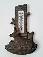 Holz geschnitztes Brett mit Hund / Reh Kitz Thermometer antik Wetterstation