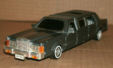 1/30 Scale 1980's Lincoln Town Car Limo Diecast Model Superior Sunnyside SS9732