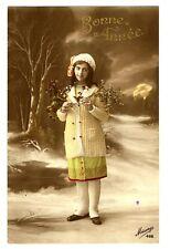 CPA Fantaisie Bonne Année petite fille en manteau jaune