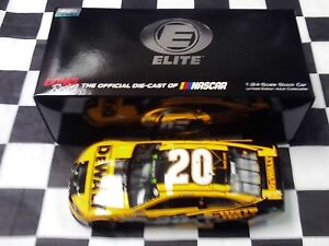 Erik Jones #20 Dewalt 2018 Camry 1:24 scale car Action NASCAR ELITE #23