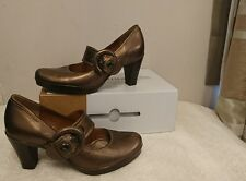 Clarks Womens leather high heels size 5