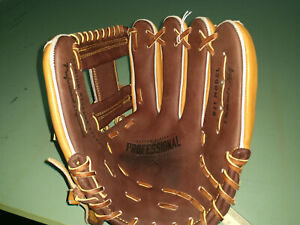 New Easton Professional Collection B21 RHT Baseball Infield Glove 11.5 Tan/Brown