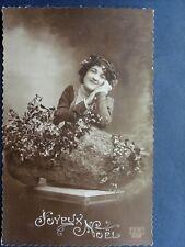 fantaisie ,joyeux noel , jeune femme au sabot et au gui