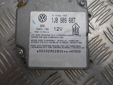 VW Passat 3 B5 Variant Airbagsteuergerät 1J0 909 607