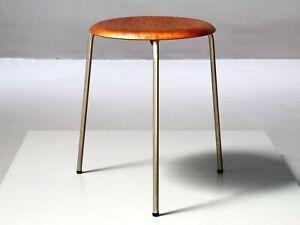 Früher DOT von Arne Jacobsen für Fritz Hansen, Teak Hocker Vintage Stool 3-Bein