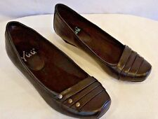 "YUU ""Renner"" Black Leather Look Pleated Toe Silver Stud Low Wedge Flats 7 M NICE"