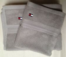 NWT SET OF 4 TOMMY HILFIGER LOGO MEDIUM GRAY COTTON TOWELS