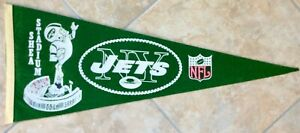 Vintage 1960's NFL New York Jets Shea Stadium w/ Flying Jet Player Pennant